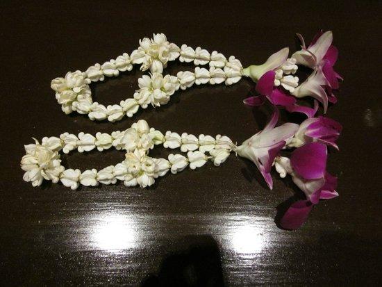 Ayara Hilltops Boutique Resort & Spa: Flowers we got on arrival