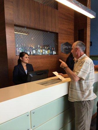 Hampton by Hilton Bursa: Registration