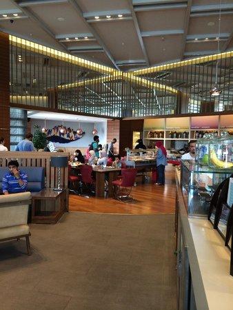 Hampton by Hilton Bursa: Breakfast area