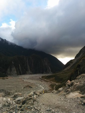 Fox Glacier Hiking Trails : The Valley and walking track