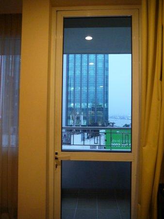 โรงแรมพาเลสไซง่อน: バルコニー
