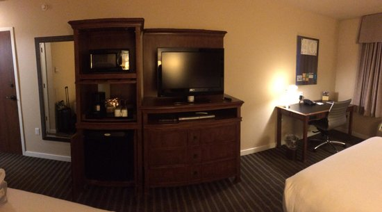 HYATT house Fishkill/Poughkeepsie: Entertainment center with refrigerator and coffee maker.  Working desk.