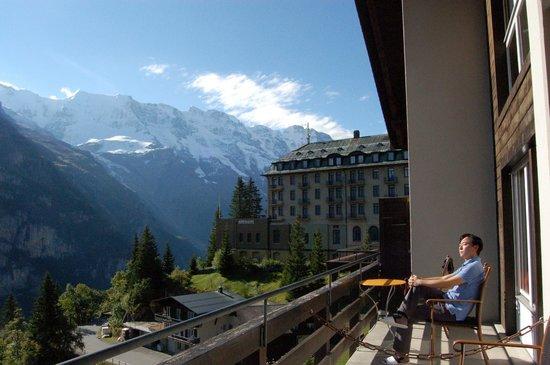 Hotel Eiger: Hotel balcony