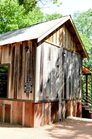 Camp Comfort Boutique B&B : Camp Cabin #5