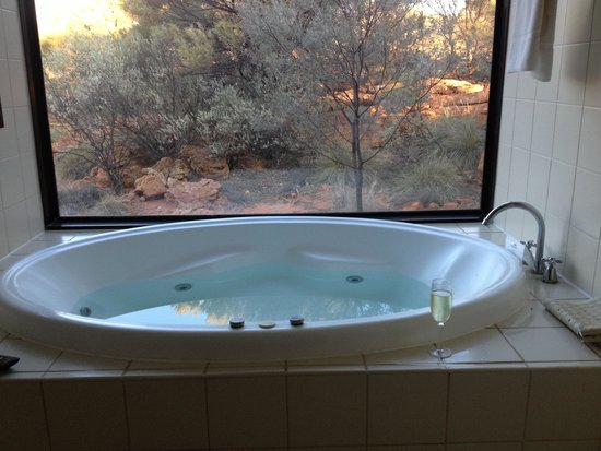 Kings Canyon Resort: Spa to relax in