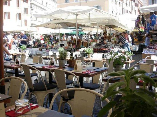 Obica Mozzarella Bar - Campo dei Fiori : vue depuis la terrasse