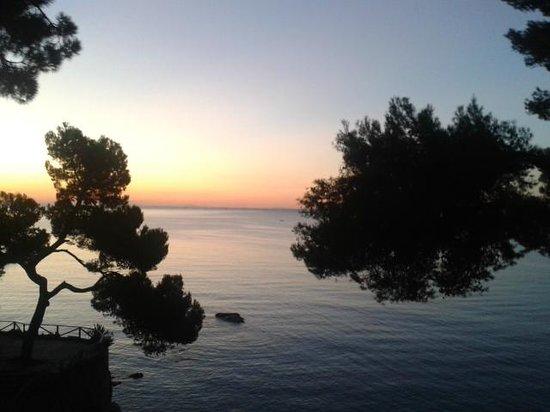 Silken Park Hotel San Jorge: lever du soleil vu de la chambre