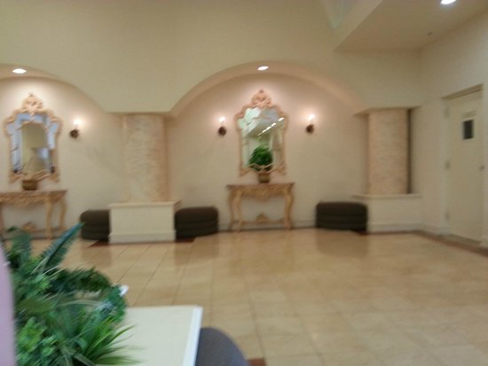 Crystal Beach Suites Oceanfront Hotel: Lobby