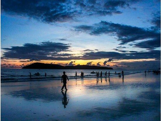 Cenang Beach: The beautiful sunset of cenang