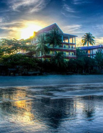 Cenang Beach: The sunrise is as awesome as sunset
