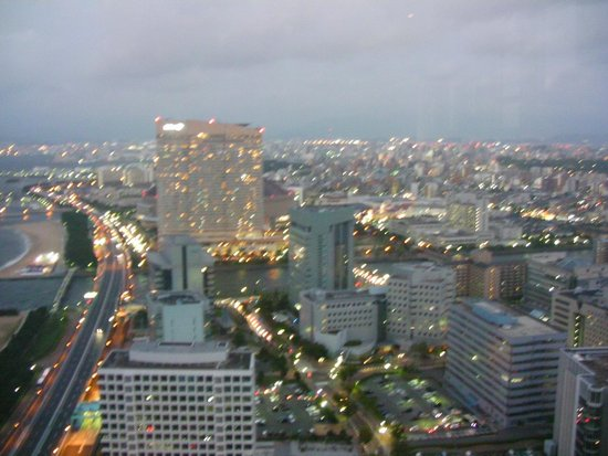 Fukuoka Tower: 夕景から夜景に変わる頃