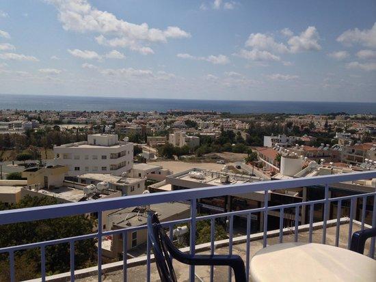 Axiothea Hotel: バルコニー(from balcony)