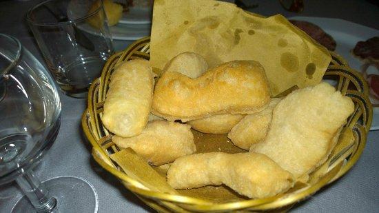 Osteria del Castello in Cengio Alto dal 1906: pane fritto