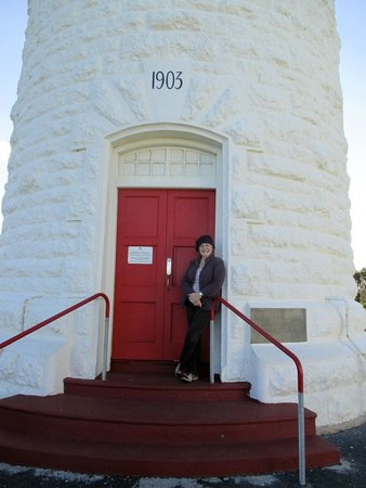 Cape Naturaliste Lighthouse: Maggie at the door