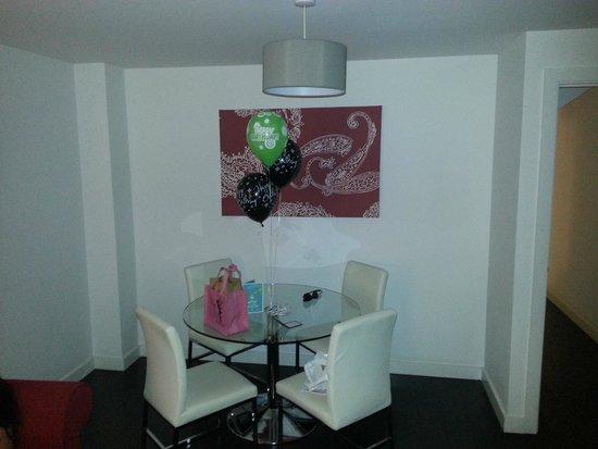The Light ApartHotel: Living Room