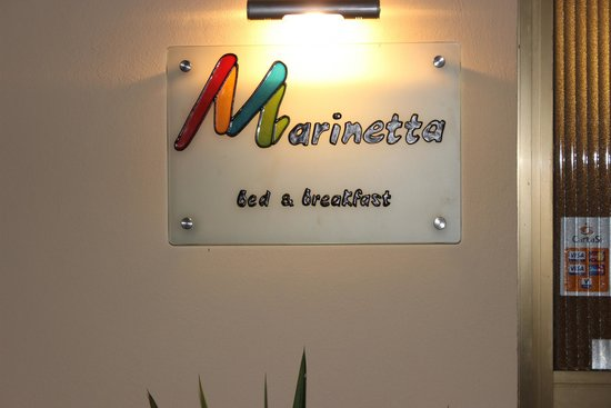 Marinetta Bed & Breakfast: Insegna