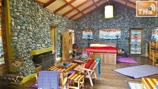 Equator Snow Lodge: Room