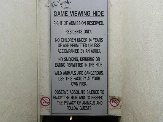 Kwa Maritane Bush Lodge: Game Viewing Hide