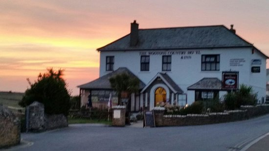 The Wootons Country Hotel: What a fantastic sunset.