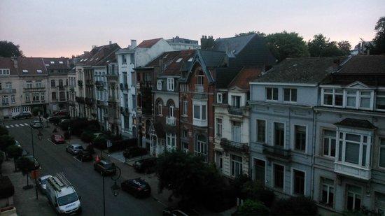 Hotel Catalonia Brussels: Vistas desde la habitación (4o piso)