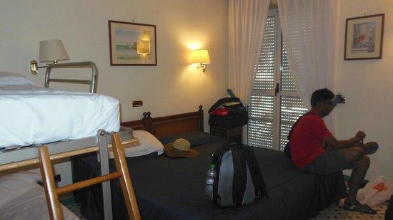 Hotel del Mare: Bedroom - quad