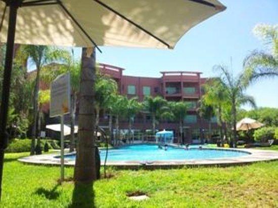 Marrakesh Garden : Espace piscine