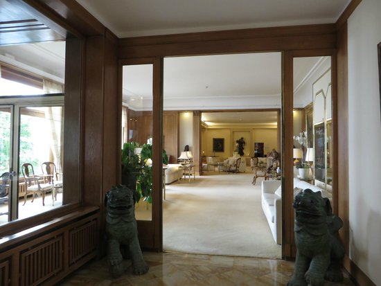 Hotel du Grand Lac Excelsior: Lobby