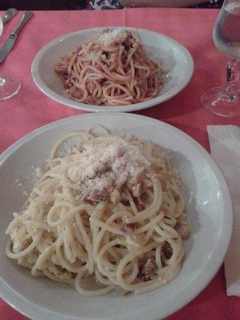 Taverna Le Coppelle: carbonara e amatriciana!