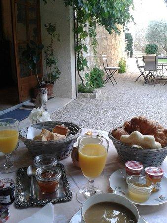 Une Treille en Provence: Desayuno