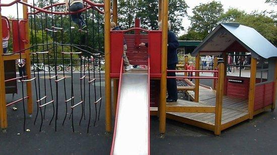 Wharfe Meadows Park Otley: Children's Slide
