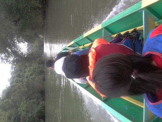 Ulu Ulu National Park Resort: Motorized canoe trip to lodge