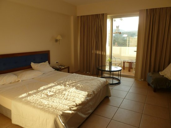 Mirabello Beach & Village Hotel : chambre