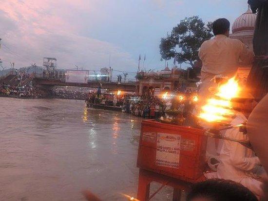 Ganga Aarti at Haridwar: Haridwar Har Ki paudi Arti.