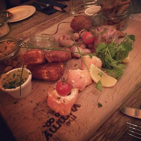 The Wiremill Lakeside Pub & Inn: Tapas
