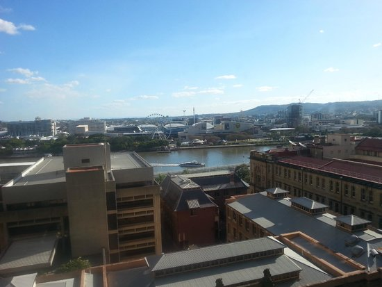 Great Southern Hotel : River view from Floor 11 window