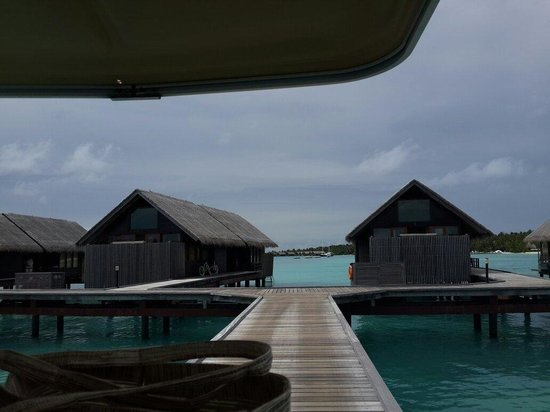 Shangri-La's Villingili Resort and Spa Maldives: Over water villas