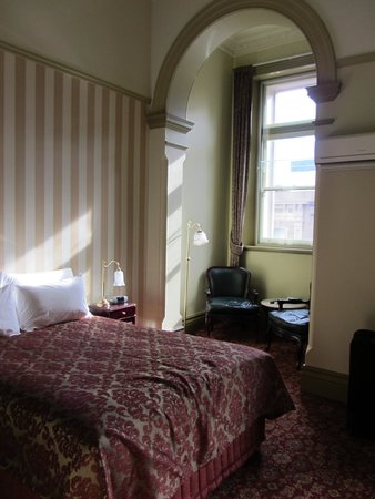 Hadley's Orient Hotel: the room we stayed in