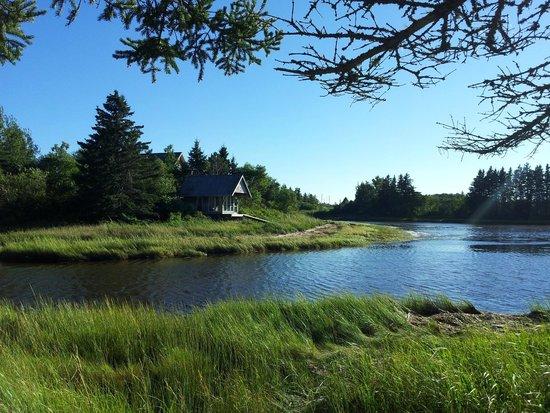 Shemogue, Kanada: Whirpool mit Aussicht auf die Bucht