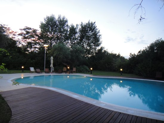 Ibis Styles Bari Giovinazzo: L'espace piscine