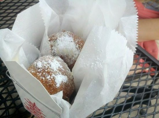 Jack Brown's Beer & burger Joint : Fried oreos