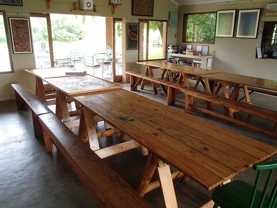 Inkosana Lodge: dinner table (inside)