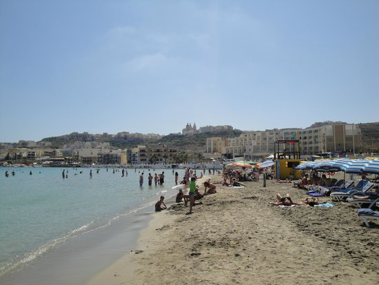 db Seabank Resort + Spa: Mellieha beach