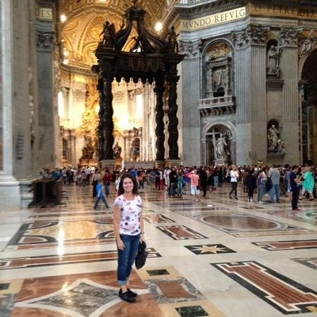 Walks of Italy : St. Peter's at end of tour.
