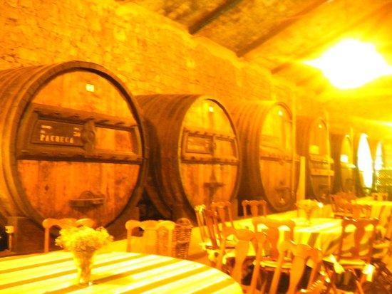 The Wine House Hotel & Restaurant : Barris de Vinho