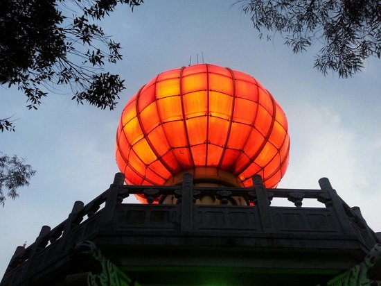 Red lantern in Qifeng park