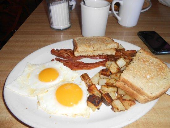 Canyon's End Motel: Desayuno excepcional.