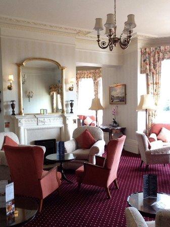 Best Western Lansdowne Hotel: The very spacious Wilmington lounge