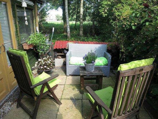 Bed & Breakfast InndeBerm : Garden patio