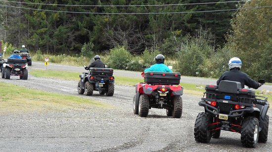 Aroostook Hospitality Inn: Group from PA heads out for a day of ATV Riding