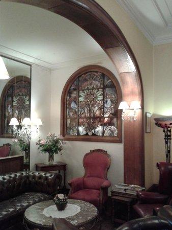 Firean Hotel : foyer